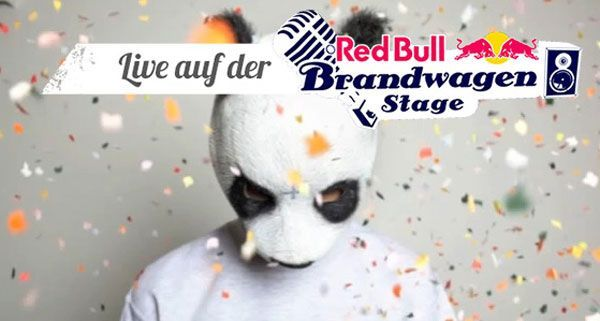 Cro mit dem Red Bull Brandwagen schon vor dem Frequency Festival unterwegs sein
