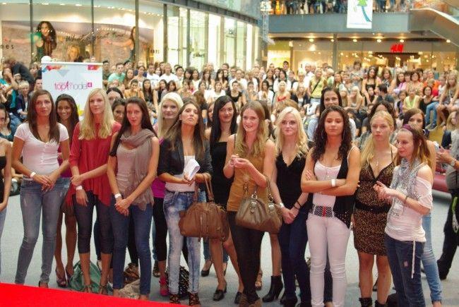 """Die Castingtour zur 5. Staffel von """"Austria's Next Topmodel"""" beginnt."""