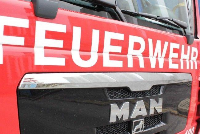 Auf der A21 kam es zu einem Lkw-Brand, die Autobahn musste kurzfristig gesperrt werden.