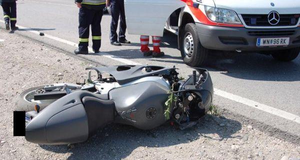 Zu zwei Unfällen kam es am Samstag. Im Bild: Das Bike des verunglückten Lenkers in Sollenau.