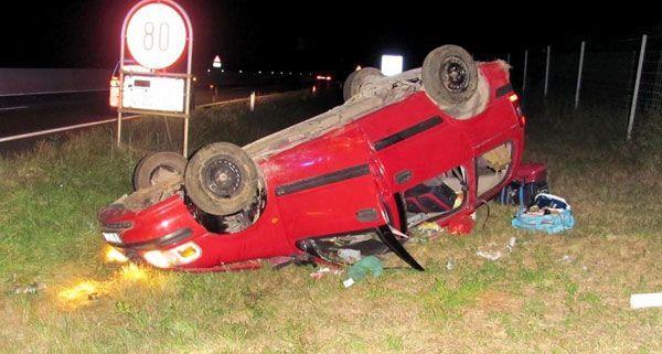 Eine Familie aus Deutschalnd hatte am frühen Sonntagmorgen einen schweren Unfall auf der A4.