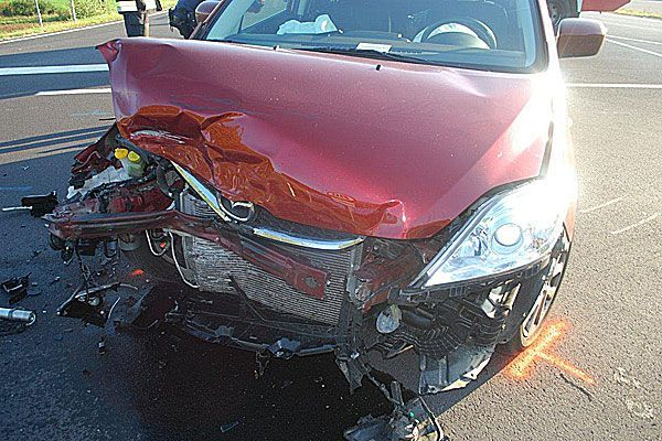 Bei einem Unfall in Neunkirchen stießen zwei Pkws zusammen und wurden erheblich beschädigt