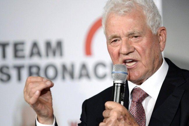 Frank Stronach beantwortete im Interview mit Vienna.at Fragen rund um sein politisches Vorhaben.