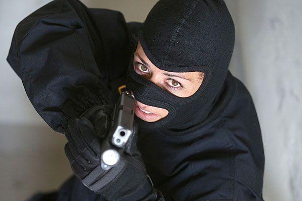Bei der Cobra sind warme Kopfbedeckungen Standard - bekommen nun die Streifenpolizisten Wollhauben?