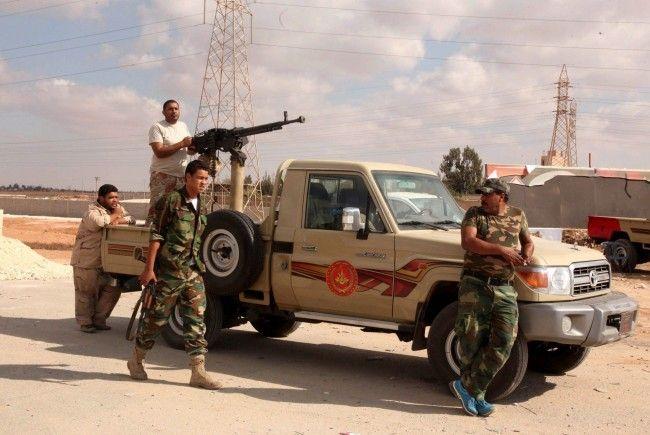 Libysches Militär hat es schwer sich gegen die Rebellen durchzusetzen.