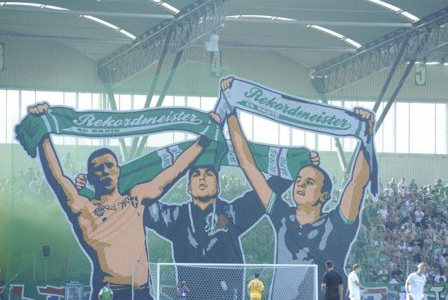 Bei einem Zusammentreffen der Fans von Rapid Wien und Austria Wien im Hanappi Stadion solle es zu einem weiteren Zwischenfall gekommen sein, an dem der Angeklagte beteiligt gewesen sein soll.