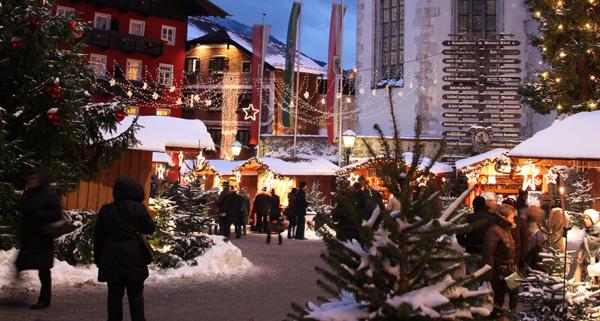 weihnachtliche stimmung im adventdorf in den wiener. Black Bedroom Furniture Sets. Home Design Ideas