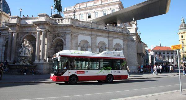 In Wien fährt bereits der erste Elektrobus von Siemens.