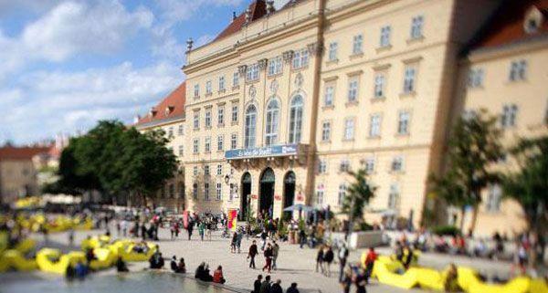 Am Mittwoch findet im Museumsquartier ein Heinzeling-Flashmob statt.