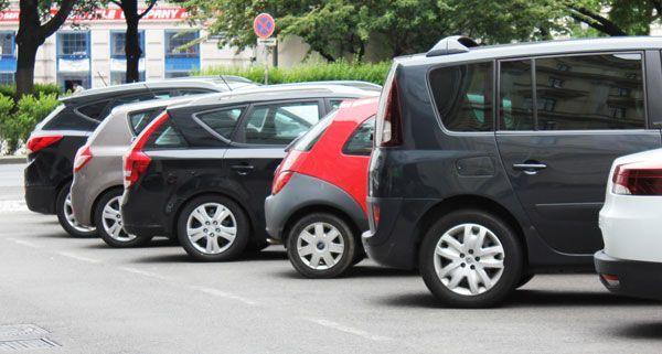 Viele Parkplatzsuchende weichen seit dem 1. Oktober auf Währing aus.