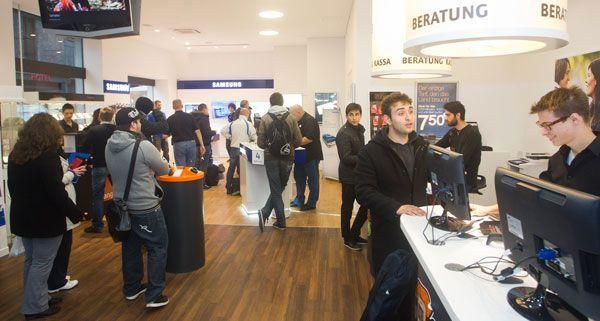 Der erste gemeinsame Shop von Samsung und orange öffente am Montag am Wiener Stephansplatz.