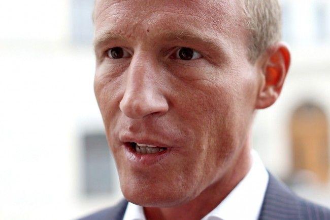 Stefan Petzner möchte keine Gewalt und Pornos im ORF sehen.