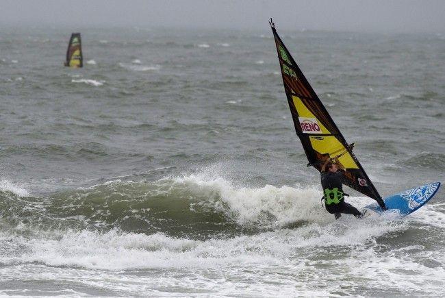 Surfer aus Wien am Neusiedler See tödlich verunglückt