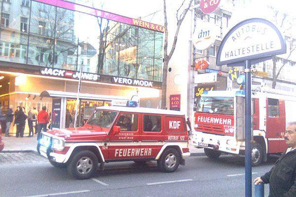 Auf der Mariahilfer Straße kam es zu einem Feuerwehreinsatz im Vero Moda/Jack and Jones