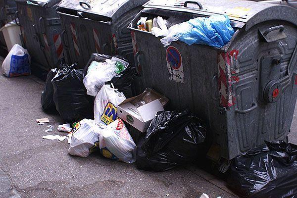 Ein Pärchen brach in Leopoldstadt in einen Müllraum ein, um Lebensmittel zu stehlen