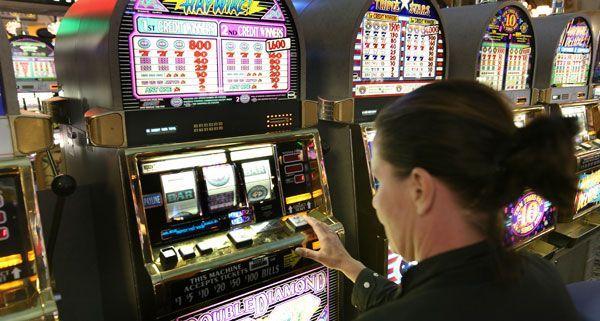 eine blondine kommt ins casino