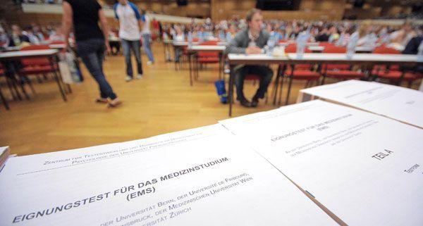 Ein Student hatte gedroht, gegen den Aufnahmetest der Medizin-Universität Wien zu klagen.