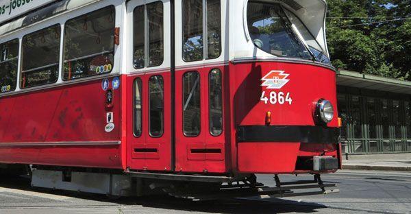 Am Mittwochvormittag kam es zu einem Unfall mit einer Straßenbahn auf der Nußdorfer Straße.
