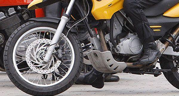 Leicht verletzt wurde ein Motorradlenker in Wien-Leopoldstadt am Donnerstag.