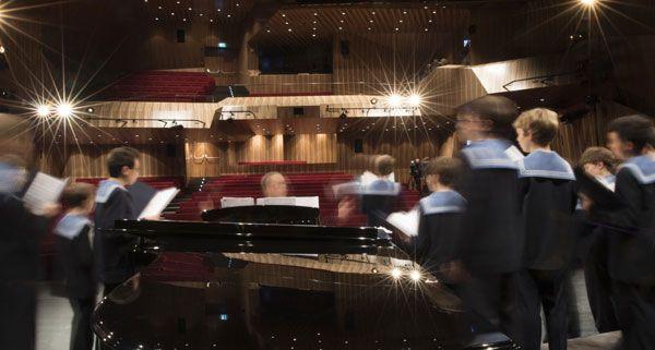 """Am Dienstagabend fand das erste Konzert im neuen Konzertsaal """"MuTh"""" statt."""