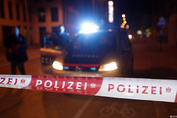 Bluttat am Samstag in St. Pölten: Eine Frau wurde niedergestochen.