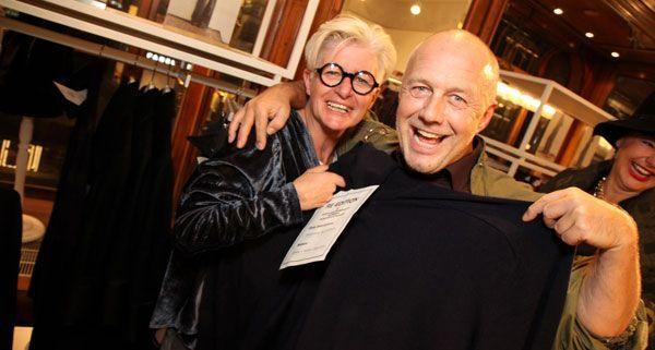 Inge Prader und Andreas Lackner freuen sich über exklusive Designer Stücke