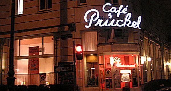 Bereits zum dritten Mal findet im Café Prückel der Kunst- und Weihnachtsmarkt statt.