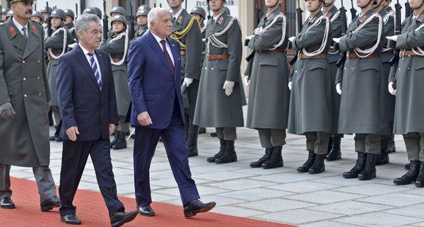 Am Rande des Staatsbesuchs am Dienstag verhörte die Wiener Polizei zwei verdächtige Männer.