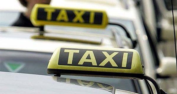 Ein Taxifahrer soll seinen Fahrgast bestohlen haben - er schildert das ganz anders