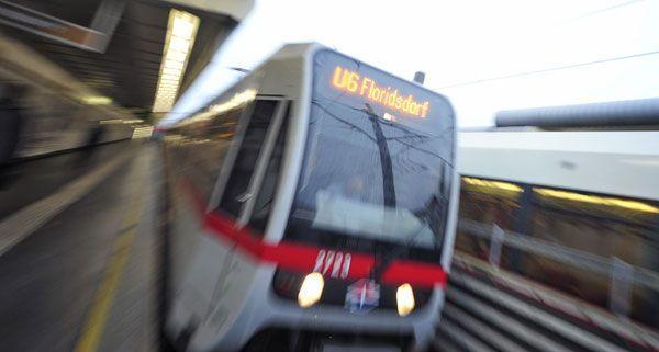 Die U6 wurde durch einen Mann auf den Gleisen aufgehalten.