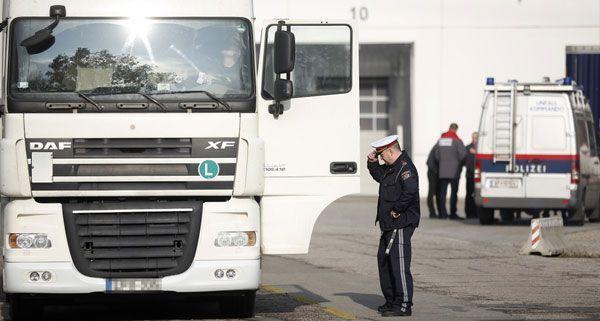 Nach dem tödlichen Unfall in Wien-Simmering wurde der LKW-Lenker festgenommen.