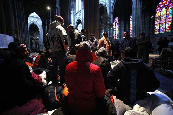 Die Asyl-Camper wollen die Votivkirche nicht verlassen
