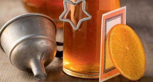 Selbstgemachter Likör kann auch für die Zubereitung von Cocktails verwendet werden.