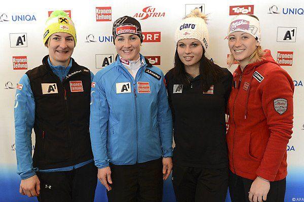 Präsentation des Damen-Riesentorlauf-Teams