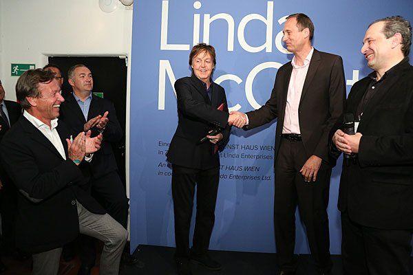 Paul McCartney, in apertura della mostra a Vienna