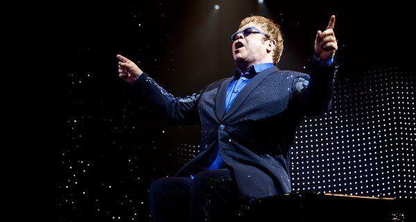 Elton John live in der Wiener Stadthalle.