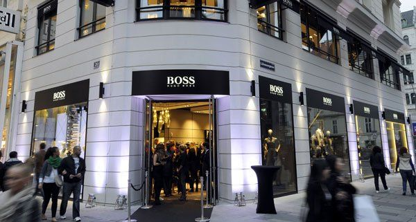 hugo boss flagship store in wien mit prominenten g sten er ffnet vienna online. Black Bedroom Furniture Sets. Home Design Ideas