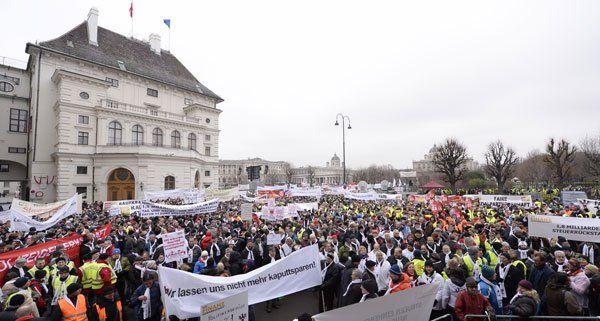 """Demo Wien Photo: Ursula Stenzel Fordert """"Demo-freie Zone"""" In Der Wiener"""