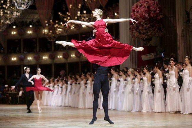 So prunkvoll wurde der 58. Wiener Opernball eröffnet.