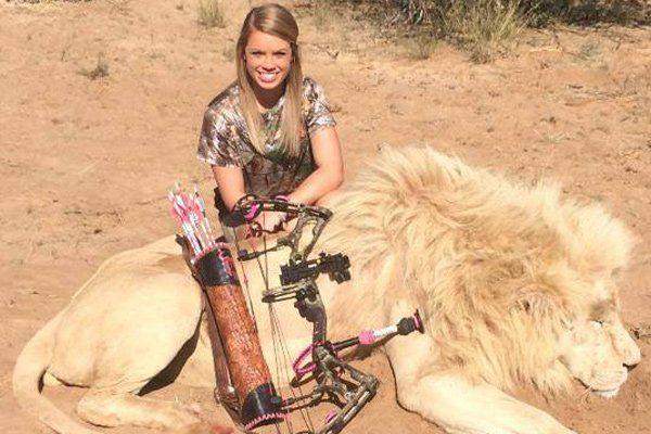 Mit ihren Jagd-Erfolgen stößt Kendall Jones meist auf Unverständnis.