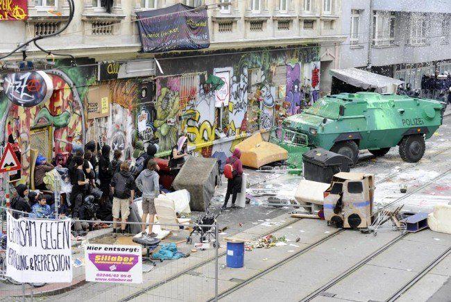 Die Reaktionen auf Twitter zur Hausräumung in Wien-Lepolodstadt
