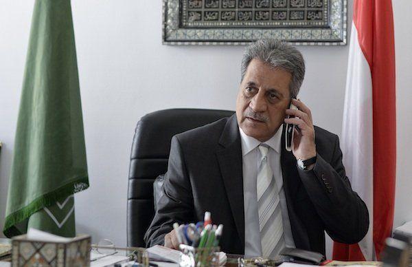Fuat Sanac, Vorsitzender der Islamischen Glaubensgemeinschaft, beim Interview über das Islamgesetz