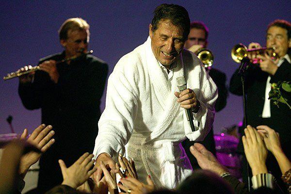 Beendet Konzerte gern im Bademantel: Udo Jürgens