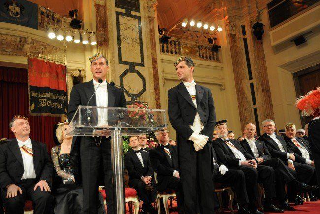 Heinz-Christian Strache verteidigt den Akademikerball.