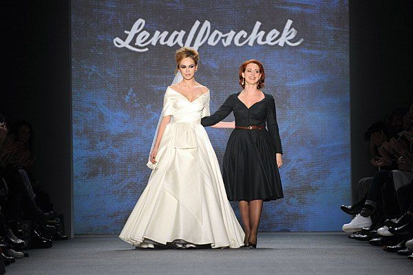 Fashion week berlin lena hoschek zeigte romantische for Fashion jobs berlin