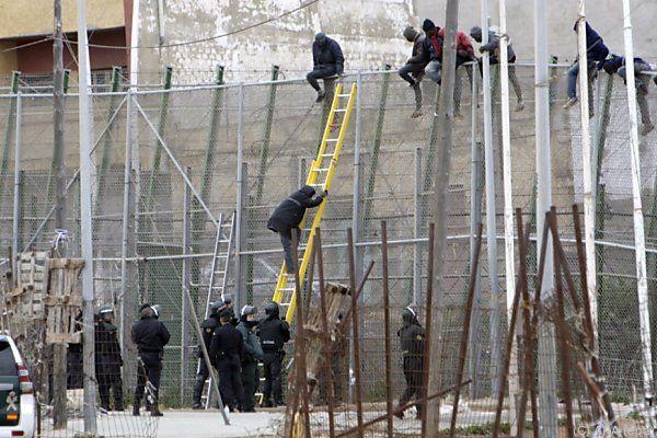 Sturm auf die spanische Exklave Melilla