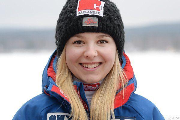 Chiara Hölzl zeigte einen 88-Meter-Sprung