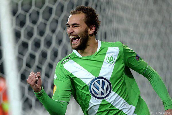 Wolfsburgs Bas Dost freut sich über Aufstieg