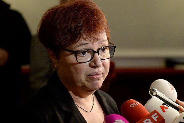 Sabine Oberhauser ist trotz Erkrankung wieder im Amt