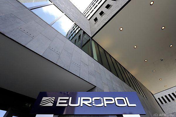 Europol hob Betrügerring aus